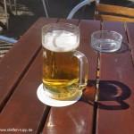 Biergarten und Sonnenschein